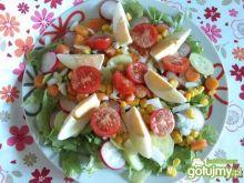 Kolorowa sałatka na letni obiad