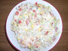 Kolorowa sałatka z kapusty pekińskiej