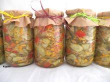 Kolorowa sałatka z ogórków