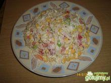kolorowa sałatka z papryką
