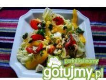 Kolorowa sałatka z pesto