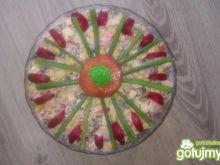 Kolorowa sałatka z serem 4