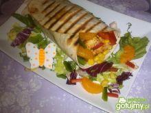 Kolorowa tortilla z mandarynką z grilla