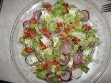 Kolorowa wiosenna sałatka