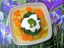 Kolorowa zupa szpinakowa