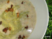 Kolorowa zupa z cukinii i kurek