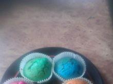 Kolorowe muffinki z czekoladą