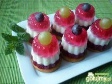 Kolorowe tęczowe desery