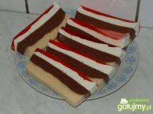Kolorowy deser Gosi