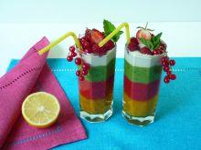 Kolorowy koktajl owocowy