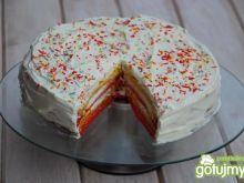 Kolorowy tort biszkoptowy