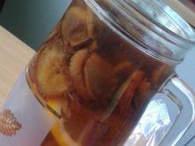 Kompot śliwkowy z dodatkiem cytryny i cynamonu