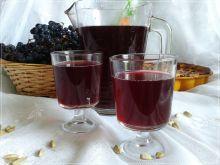 Kompot z polskiego winogrona z kardamonem