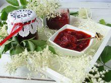 Konfitura truskawkowa z kwiatkami bzu