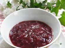 Konfitura z truskawek i kwiatów bzu czarnego