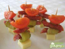 Koreczki z serem i kabanosami