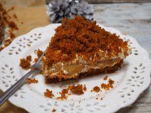 Korzenne ciasto marchewkowe z masą orzechową