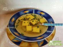 Kostka z manny do zupy.