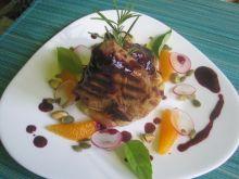 Kotleciki jagnięce z sosem czereśniowym i rosti