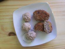 Kotleciki mielone i kuleczki z orzechami włoskimi