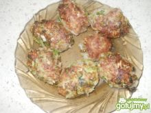Kotleciki mielone- Sałata lodowa i ryż