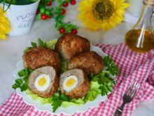 Kotleciki mielone z jajkiem w środku