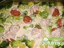 Kotleciki na ziemniakach i brokułach