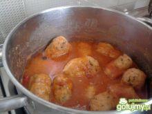 Kotleciki w sosie pomidorowo-paprykowym