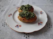 Kotleciki z białej kaszy gryczanej z sosem szpinak