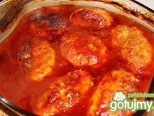 Kotleciki z pekińską w sosie pomidorowym