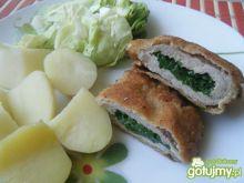 Kotlet schabowy z masłem i zieleniną