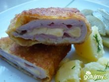 Kotlet schabowy z szynką i żółtym serem