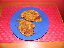 Kotlet z piersi kurczaka z lubczykiem i kurkumą
