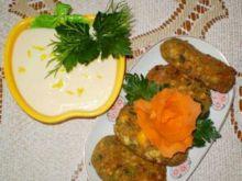 Kotlety jajeczno-pieczarkowe z sosem