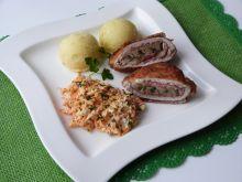 Kotlety schabowe z salami i pieczarkami