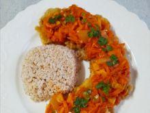 Kotlety sojowe z sosem warzywnym