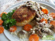 Kotlety z kalafiora z sosem grzybowym