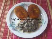 Kotlety z ziemniaków z sosem grzybowym