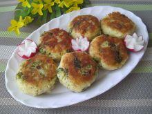 Kotlety ziemniaczane z brokułem