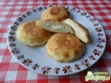 Krążki ziemniaczane nadziewane serem