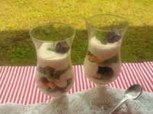 Krem mascarpone z owocami i czekoladą