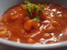 Krem pomidorowo-fasolowy z krewetkami.