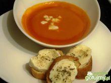 Krem pomidorowo-marchewkowy z mozzarellą
