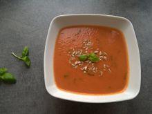 Krem pomidorowy ze świeżą bazylią