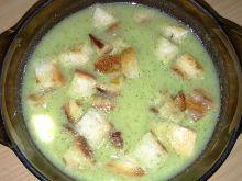 Krem z brokułów z serem pleśniowym i bryndzą