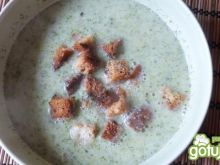 Krem z brokułów z tofu