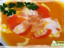 Krem z młodej marchewki.