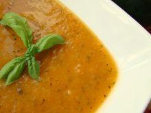 Krem z pomidorów i cukinii ze skórką cytrynową