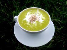 Krem z zielonego groszku z prażonym słonecznikiem