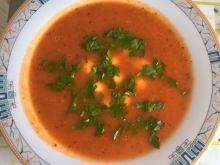 Krem ze świeżych pomidorów z kulkami mozzarelli